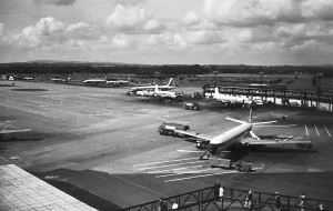 Gatwick 1965 - looking NW from Centre Pier BEA Comet, SAM DC6